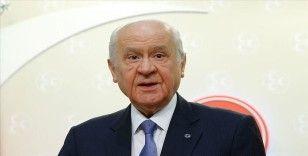 MHP Lideri Bahçeli'den Haluk Bilginer'e tebrik mesajı