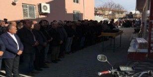 Niğde'de intihar eden CHP'li yönetici toprağa verildi
