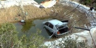 Otomobil havuza düştü, içindeki kadın hayatını kaybetti