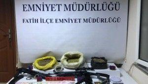Fatih'te uyuşturucu ticareti yapan şahıslara operasyon