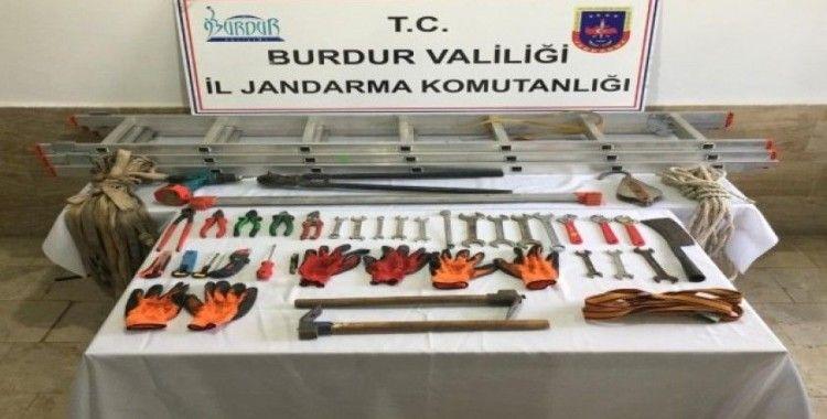 Burdur'da kablo hırsızlığına 3 gözaltı