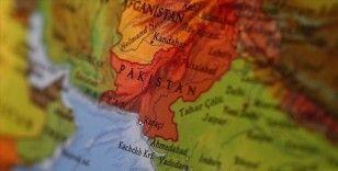 Pakistan'da çekçekli patlama: 7 yaralı
