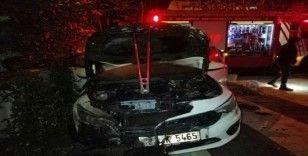 Kartal'da park halindeki otomobil yanarak küle döndü