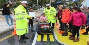 Mobil Trafik Eğitim Tırı, Muğla'da ziyarete açıldı