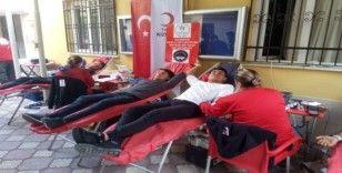 İskenderun'da KYK öğrencilerinden kan bağışı