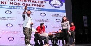 Şahinbey Belediyesi'nden öğrencilere gri koç morali