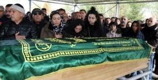 İsviçre'de trafik kazasında hayatını kaybeden 3 kişi Erzincan'da son yolculuklarına uğurlandı