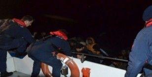 Ayvalık'ta 48 düzensiz göçmen Sahil Güvenlik tarafından yakalandı
