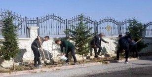 Konya'da fen lisesinden her mezun öğrenciye bir fidan