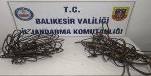 Balıkesir'de kablo hırsızları yakalandı