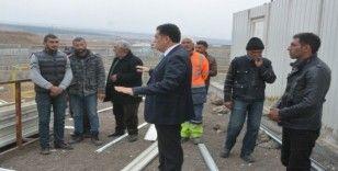 Başkan Demir,  hayvan pazarında devam eden çalışmaları inceledi