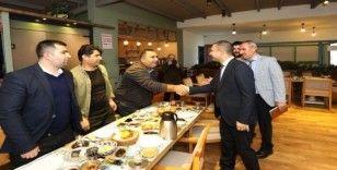 Başkan Vekili Aslan, basın mensupları ile kahvaltıda bir araya geldi
