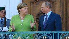 Almanya 2 Rus diplomatı istenmeyen adam ilan etti