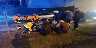 (ÖZEL) Kaza yapan motosikletlinin yardımına koştu, kamyon çarptı