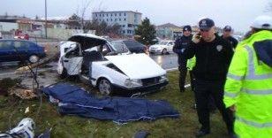 Kütahya'da feci kaza: 2 ölü, 3 yaralı (2)