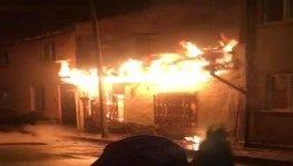Bursa'da alevler geceyi aydınlattı
