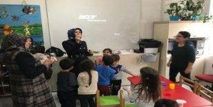 Başkan Arı'nın eşi Melek Arı'dan okullara ziyaret