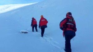 Kayıp dağcıları arama çalışmaları sürüyor