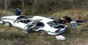 Sinop'ta otomobil şarampole uçtu: 5 yaralı