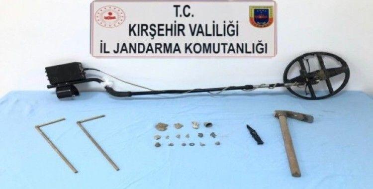 Kırşehir jandarma ekiplerinden tarihi eser kaçakçılığı operasyonu