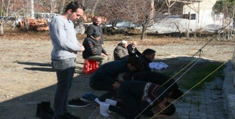 (Özel) Depremin ardından Bozkurt'ta ibadet edilecek sadece 1 cami kaldı