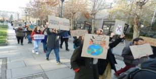 Kosova'da iklim değişikliği protestosu