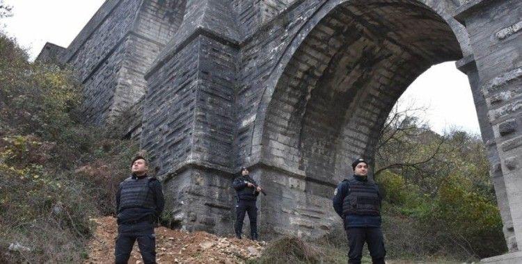 Define avcılarının hedefi olan tarihi Güzelce Kemeri'ne polis önlemi