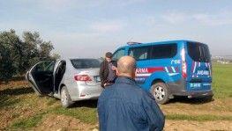 İzmir'de şüpheli ölüm, Araç içerisinde ölü bulundu