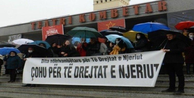 Kosova'da 10 Aralık Dünya İnsan Hakları Günü yürüyüşü