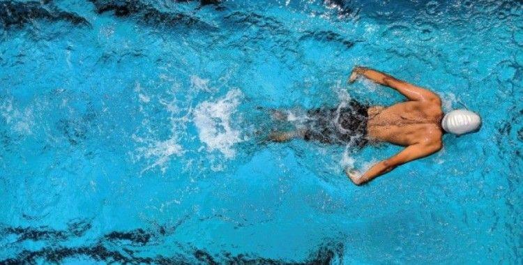 Tsugaru Boğazı'nı yüzerek geçen ilk Türk