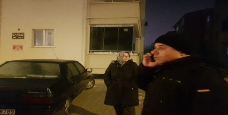 5.0 büyüklüğündeki deprem Balıkesir'i sokağa döktü