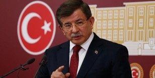 AK Partili vekiller, Davutoğlu'nun partisinin ismine tepki gösterdi