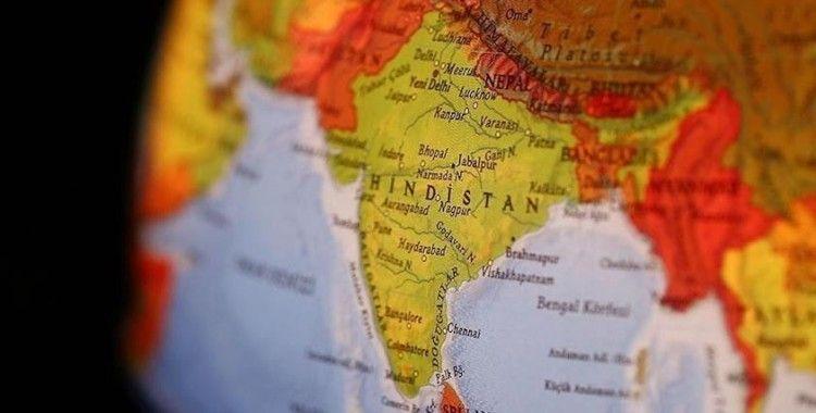 Hindistan'da fabrika çöktü: 14 yaralı