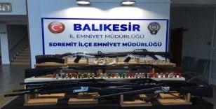 Balıkesir'de 35 silah ele geçirildi