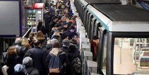 Fransa'da grevlerin tren şirketine 20 günlük maliyeti 600 milyon Euro