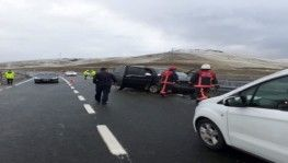 Kaza anı saniye saniye cep telefonu kamerasına yansıdı