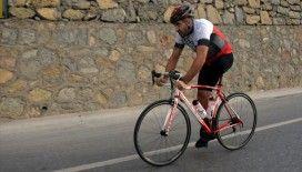 Tek bacaklı bisikletçi milli forma için pedala 'çift kuvvet' basıyor