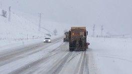 Erzincan'da 14 köy yolu ulaşıma kapandı
