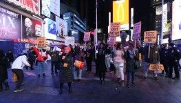 New York'ta 'savaşa hayır' protestosu aa