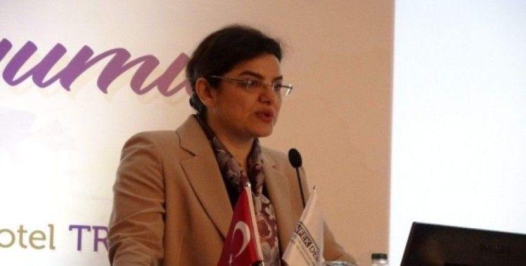"""Sağlık Bakan Yardımcısı Prof. Dr. Emine Alp Meşe: """"Yoğun bakımlar akılcı kullanılmıyor"""""""