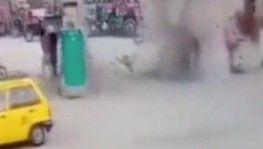 Pakistan'da akaryakıt istasyonunda patlama
