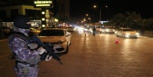 Adana'da 2 bin 708 polisle asayiş uygulaması