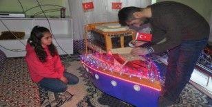 Kızı için bu kez maket gemi yaptı
