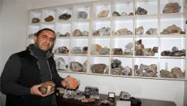 20 yıldır topladığı değerli taşlarla evini adeta müzeye çevirdi