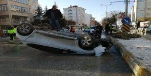 Kontrolden çıkan otomobil takla attı; 2 yaralı