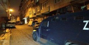 Beyoğlu'nda silahlı saldırı: İş yerine kurşun yağdırıp kaçtılar