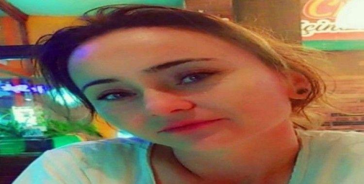 Evine gizlice girdiği kız arkadaşını defalarca bıçakladı