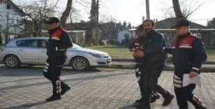 Sakarya'da cinayet suçundan aranan firari, yol kontrolünde yakalandı
