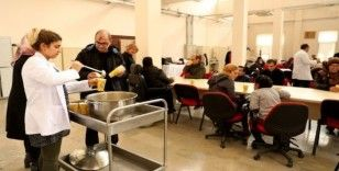 Büyükşehir Belediyesi'nden engelli kursiyerlere çorba ikramı