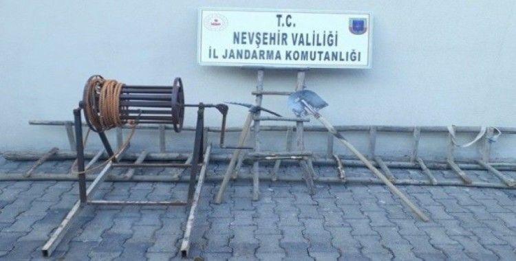 Gülşehir'de kaçak kazı yapan 4 kişi suçüstü yakalandı